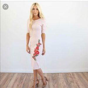 NWT-Valerie Rose Middi Dress